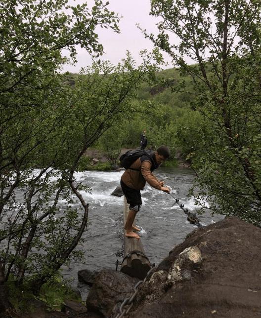 passage rivière glymur